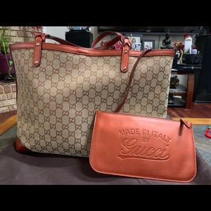 Authentic gucci bag LIKE NEW!